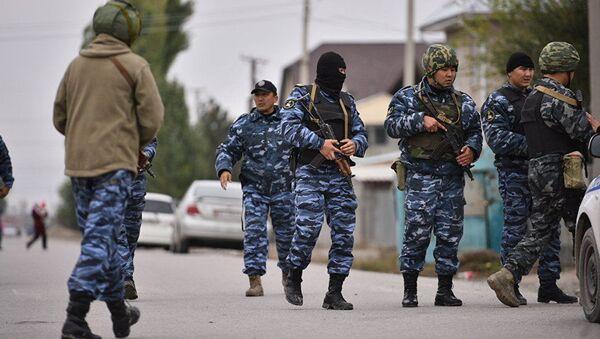 Сотрудники МВД. Архивное фото - Sputnik Таджикистан