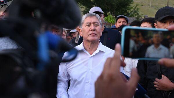Бывший президент КР Алмазбек Атамбаев - Sputnik Таджикистан