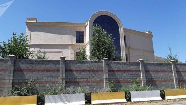 Дом экс-президента КР Алмазбека Атамбаева в селе Кой-Таш Чуйской области - Sputnik Таджикистан
