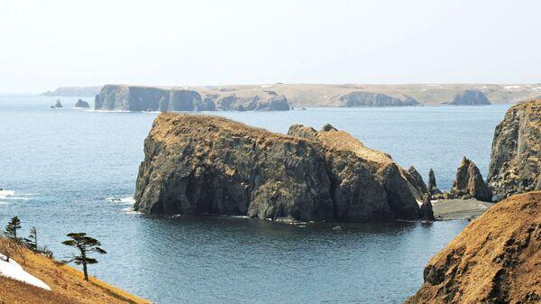 Остров Шикотан Сахалинской области. Самый крупный остров Малой гряды Курильских островов - Sputnik Таджикистан