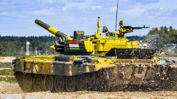 Танк команды армии Таджикистана Танковый биатлон - 2019 - Sputnik Таджикистан