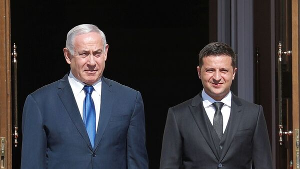 Президент Украины Владимир Зеленский и премьер-министр Израиля Биньямин Нетаньяху - Sputnik Таджикистан