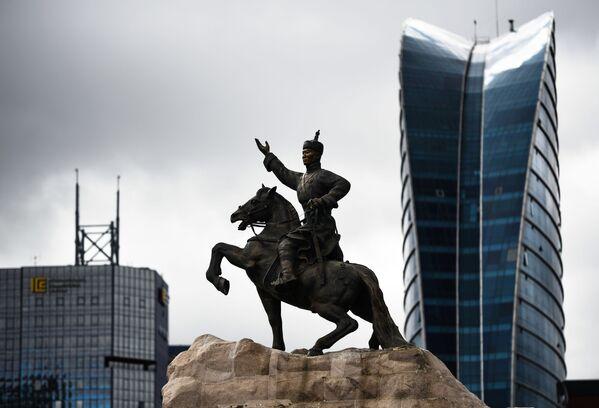 Памятник Сухэ-Батору, Монголия - Sputnik Таджикистан