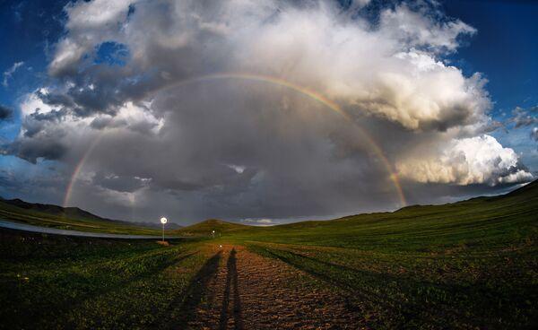 Радуга в одном из поселений Монголии - Sputnik Таджикистан