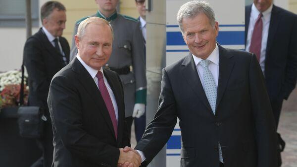 Президент РФ Владимир Путин и президент Финляндской Республики Саули Ниинистё - Sputnik Таджикистан