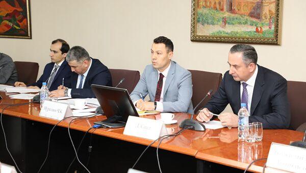 Рабочая встреча руководства НБТ и первого вице премьера Таджикистана с представителями кредитных организаций Таджикистана - Sputnik Тоҷикистон