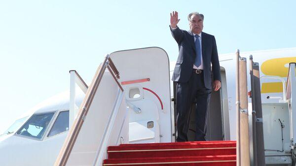 Завершение рабочего визита в Согдийскую область президента Эмомали Рахмона - Sputnik Таджикистан