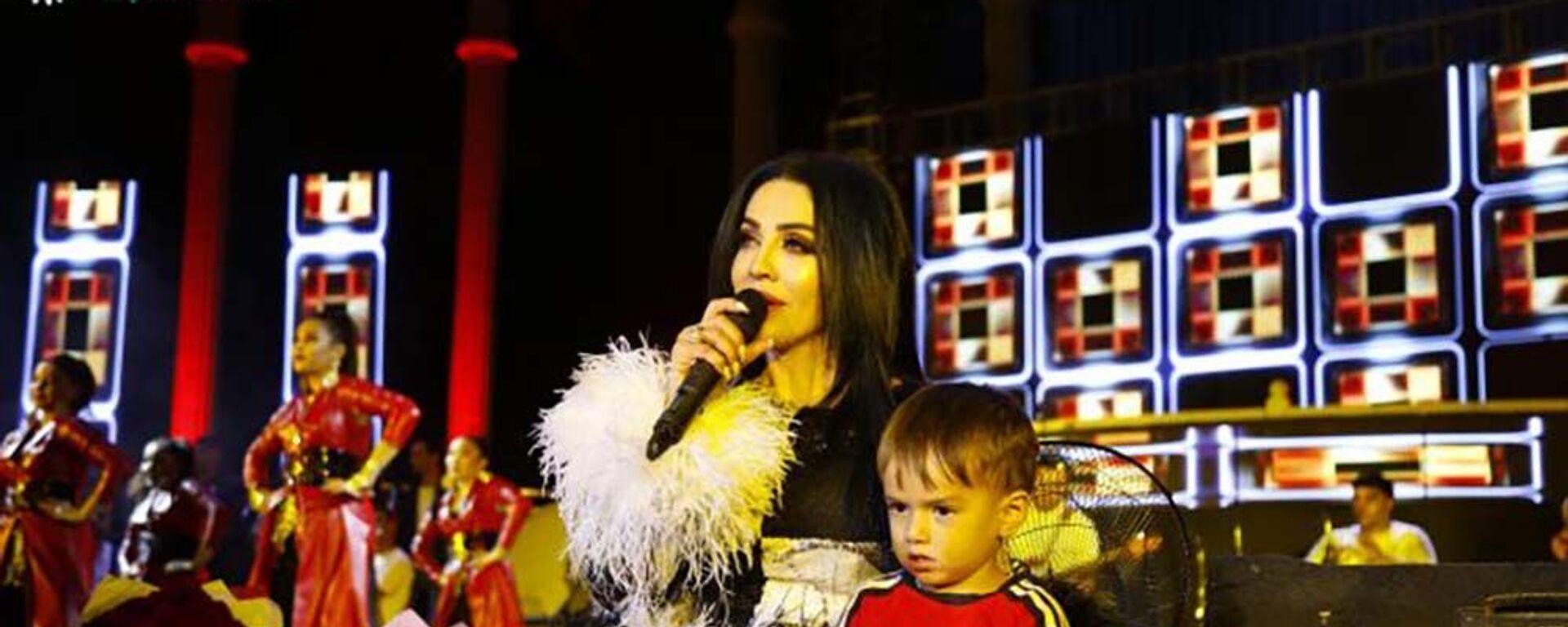 Шабнами Сурайё таджикская певица - Sputnik Таджикистан, 1920, 26.08.2019