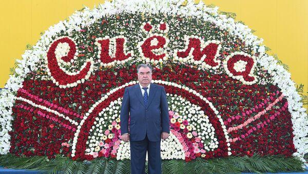 Президент Таджикистана на открытии нового завода Сиёма в Душанбе - Sputnik Тоҷикистон