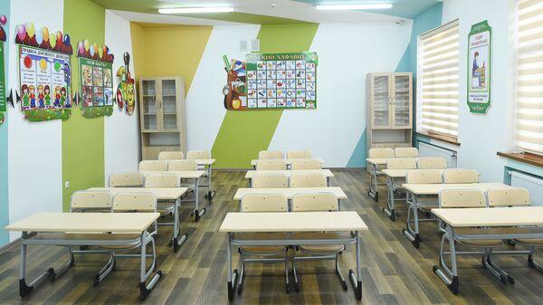 Школьные парты, архивное фото - Sputnik Таджикистан