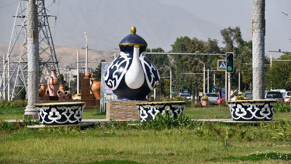 Украшение города Душанбе на праздник День независимости  - Sputnik Тоҷикистон