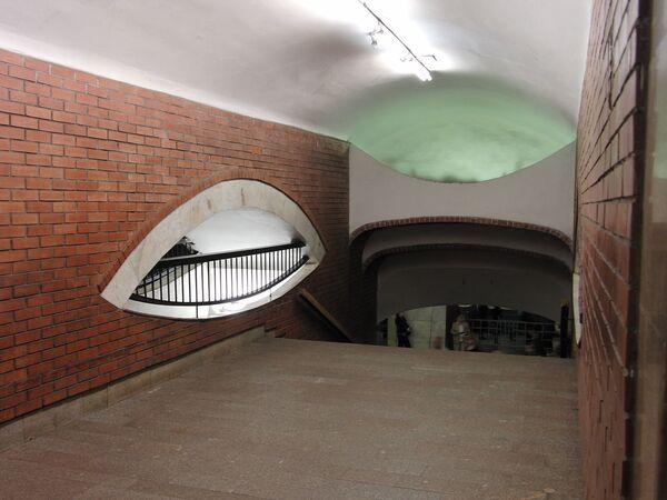 Переход на станцию Библиотека имени Ленина со станции Боровицкая - Sputnik Таджикистан