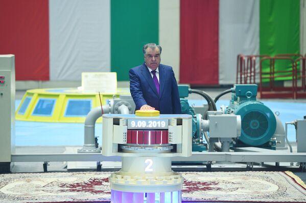 Запуск 2 агрегата Рогунской ГЭС - Sputnik Таджикистан