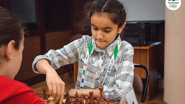 Таджикская шахматистка Сабрина Абророва - Sputnik Таджикистан