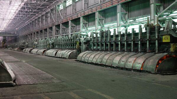Алюминиевый завод ТАЛКО-КРАНТАС в городе Турсунзаде - Sputnik Тоҷикистон