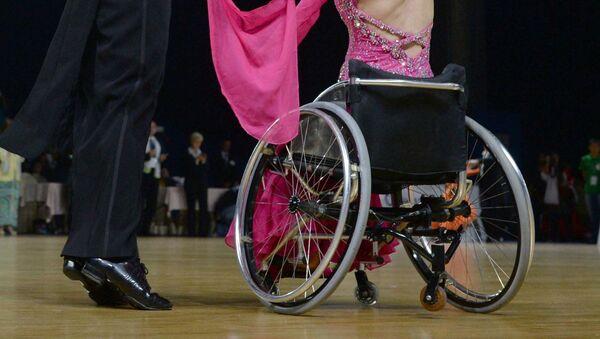 Танцы на колясках, архивное фото - Sputnik Таджикистан