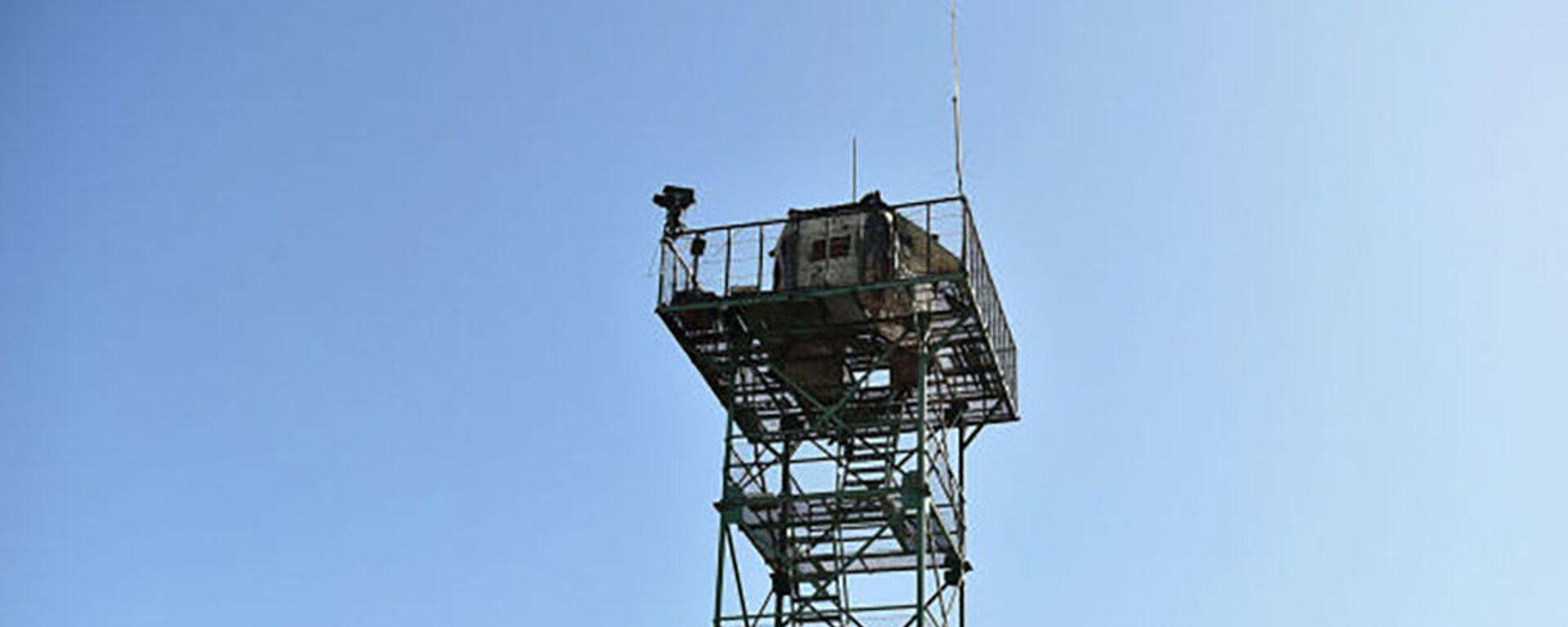 Вышка на пограничном посту Максат в Лейлекском районе Баткенской области. - Sputnik Таджикистан, 1920, 27.05.2021
