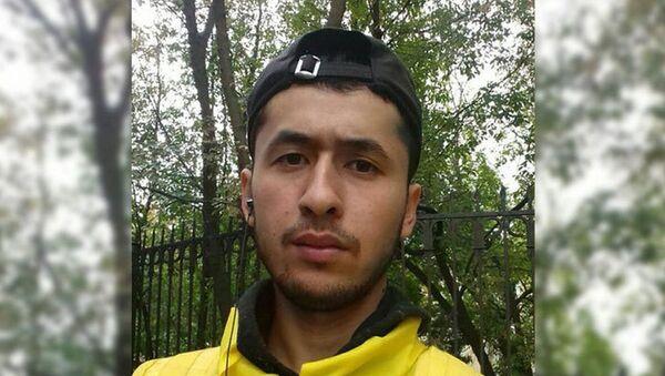 Бахром Гуломкадиров. Доставщик еды, который спас 13-летнего подростка - Sputnik Таджикистан