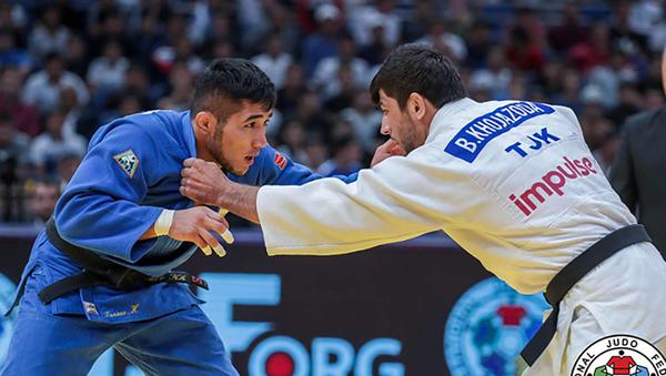 Таджикский атлет Бехруз Ходжазода выиграл серебряную медаль Гран-при Ташкента по дзюдо - Sputnik Таджикистан