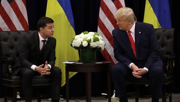 Президент США Дональд Трамп и президент Украины Владимир Зеленский - Sputnik Таджикистан