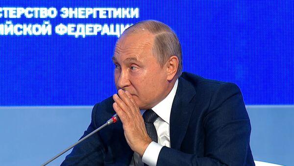Путин остроумно пошутил о вмешательстве России в выборы США - видео - Sputnik Таджикистан