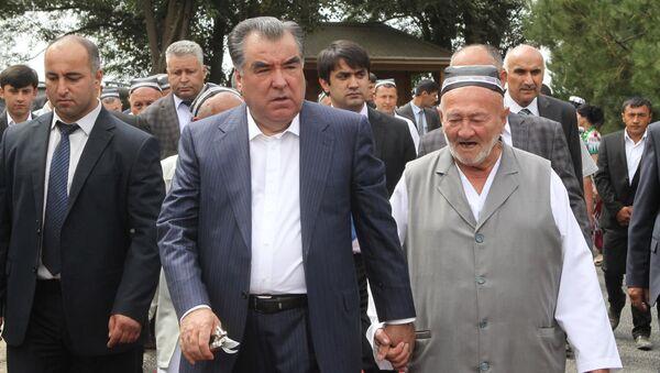 Виноградарь Ходжи Камол Мадумаров - Sputnik Таджикистан
