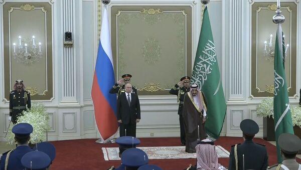 Королевский прием: Путин в Саудовской Аравии о визах, торговле, нефти и космосе - Sputnik Тоҷикистон