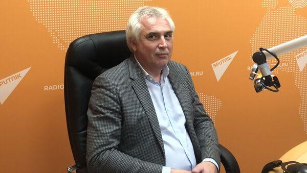 Первый заместитель декана факультета мировой экономики и    мировой политики Высшей школы экономики Игорь Ковалев - Sputnik Таджикистан