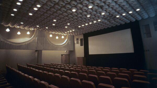Зрительный зал в кинотеатре. архивное фото - Sputnik Тоҷикистон