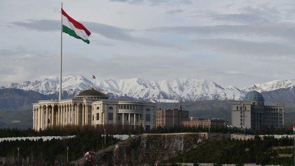 Здание правительства Республики Таджикистан в Душанбе - Sputnik Тоҷикистон
