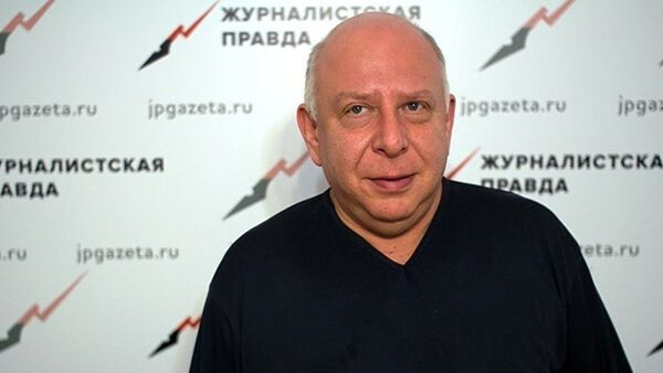 Руководитель Московского политологического клуба Евгений Бень - Sputnik Таджикистан
