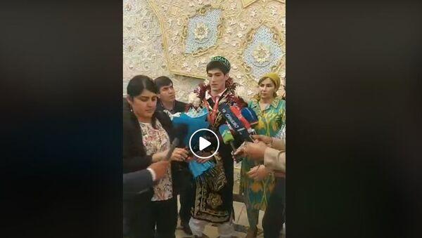 В Душанбе встретили чемпиона мира Сомона Махмадбекова видео - Sputnik Таджикистан