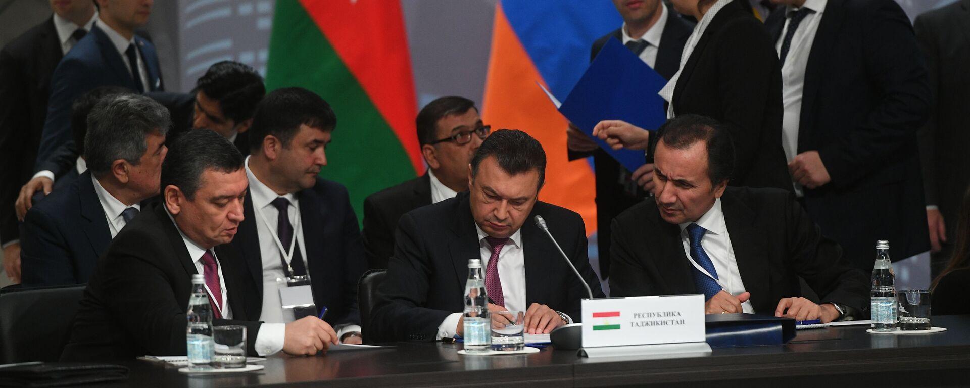 Премьер-министр Таджикистана Кохир Расулзода на заседании совета стран СНГ - Sputnik Таджикистан, 1920, 25.10.2019