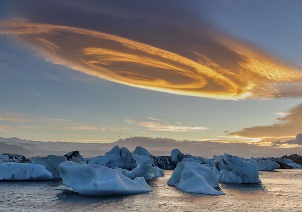 Снимок Cinnamon rolls cloud фотографа Биньгуин Сан, финалиста конкурса Weather Photographer of the Year 2019 - Sputnik Таджикистан