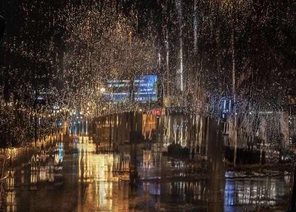 Снимок Rain in the City фотографа Кристины Холт, ставший финалистом конкурса Weather Photographer of the Year 2019 - Sputnik Таджикистан