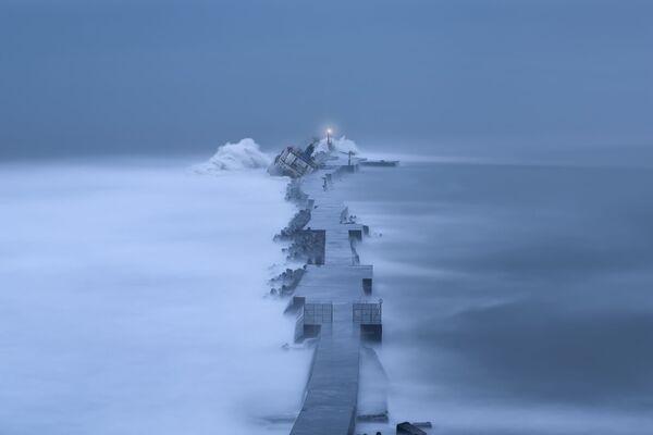 Снимок The ship of stranded  фотографа Пенг-Гэнг Фанг, ставший финалистом конкурса Weather Photographer of the Year 2019 - Sputnik Таджикистан