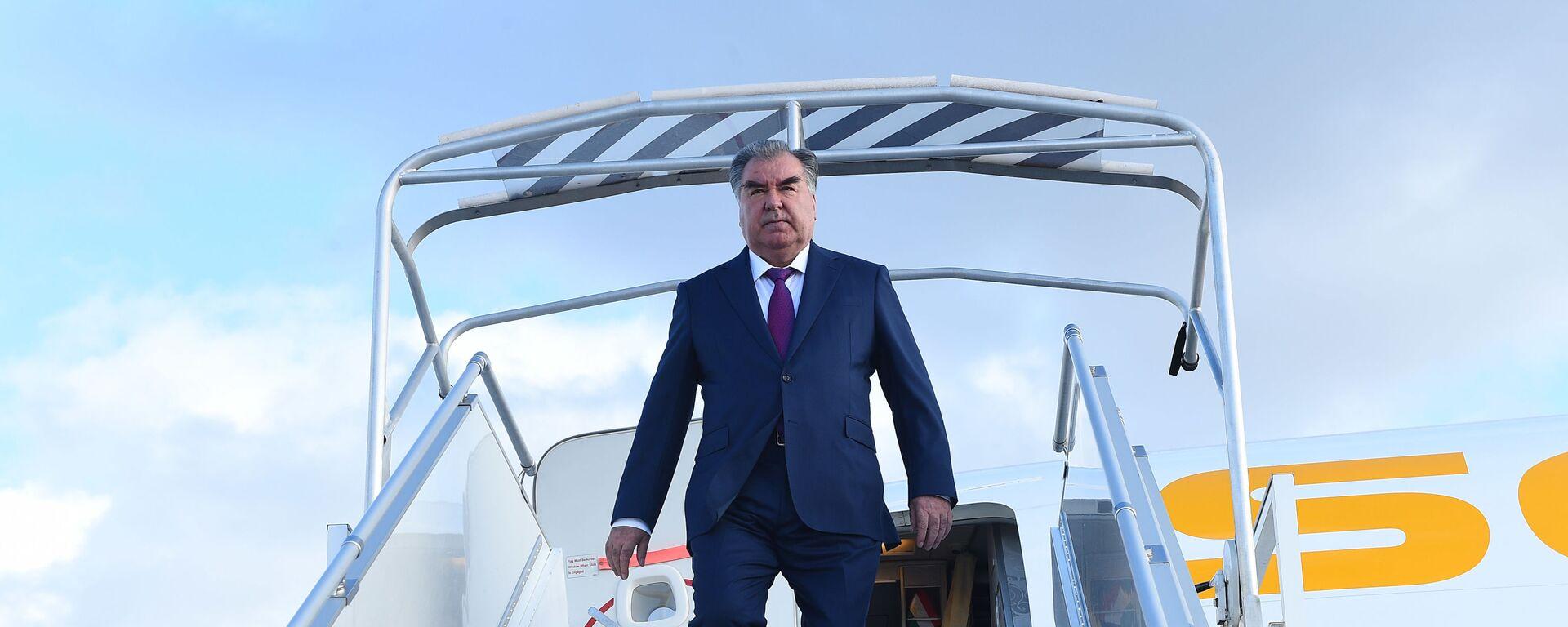 Президент Республики Таджикистан Эмомали Рахмон - Sputnik Тоҷикистон, 1920, 28.07.2021