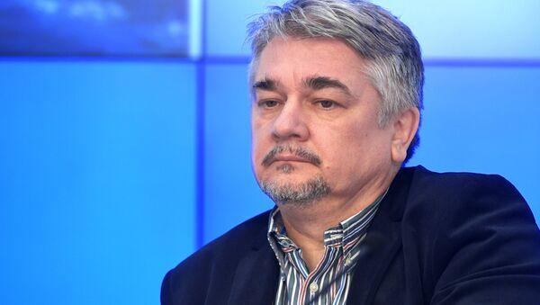 Политолог Ростислав Ищенко - Sputnik Тоҷикистон
