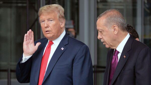 Дональд Трамп и Реджеп Тайип Эрдоган  - Sputnik Таджикистан