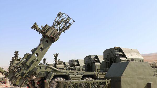 Расчеты зенитных ракетных систем С-300 - Sputnik Таджикистан