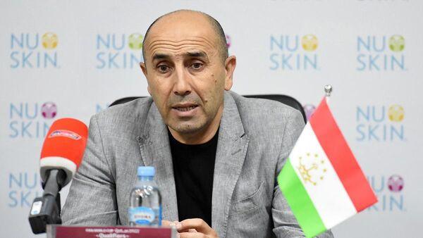 Тренер сборной Таджикистана по футболу Усмон Тошев - Sputnik Таджикистан