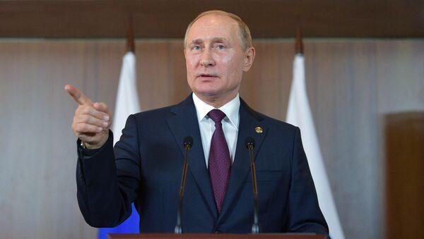 Президент РФ Владимир Путин - Sputnik Таджикистан