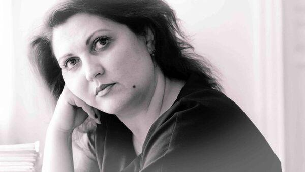 Мунира Дадаева, Заслуженная артистка Республики Таджикистан, директор Государственного таджикского русского драматического театра имени Вл. Маяковского - Sputnik Таджикистан