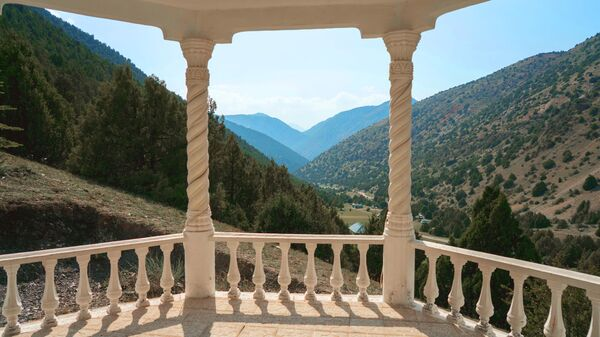 Смотровая площадка в ущелье Шахристан в Таджикистане, архивное фото - Sputnik Таджикистан