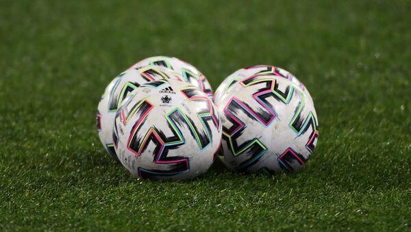 Официальные мячи чемпионата Европы по футболу 2020 - Sputnik Таджикистан
