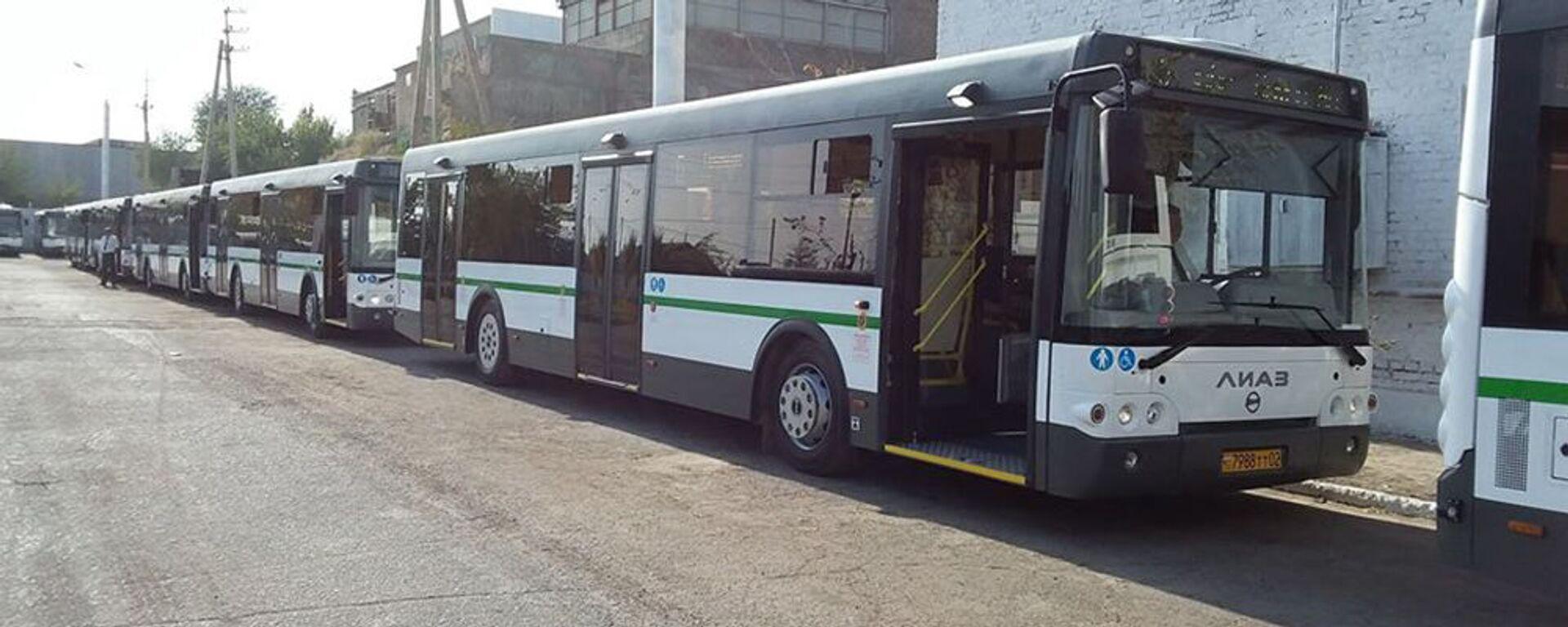 В Худжанде вводят в эксплуатацию автобусы с электронной системой платежей - Sputnik Тоҷикистон, 1920, 09.08.2021