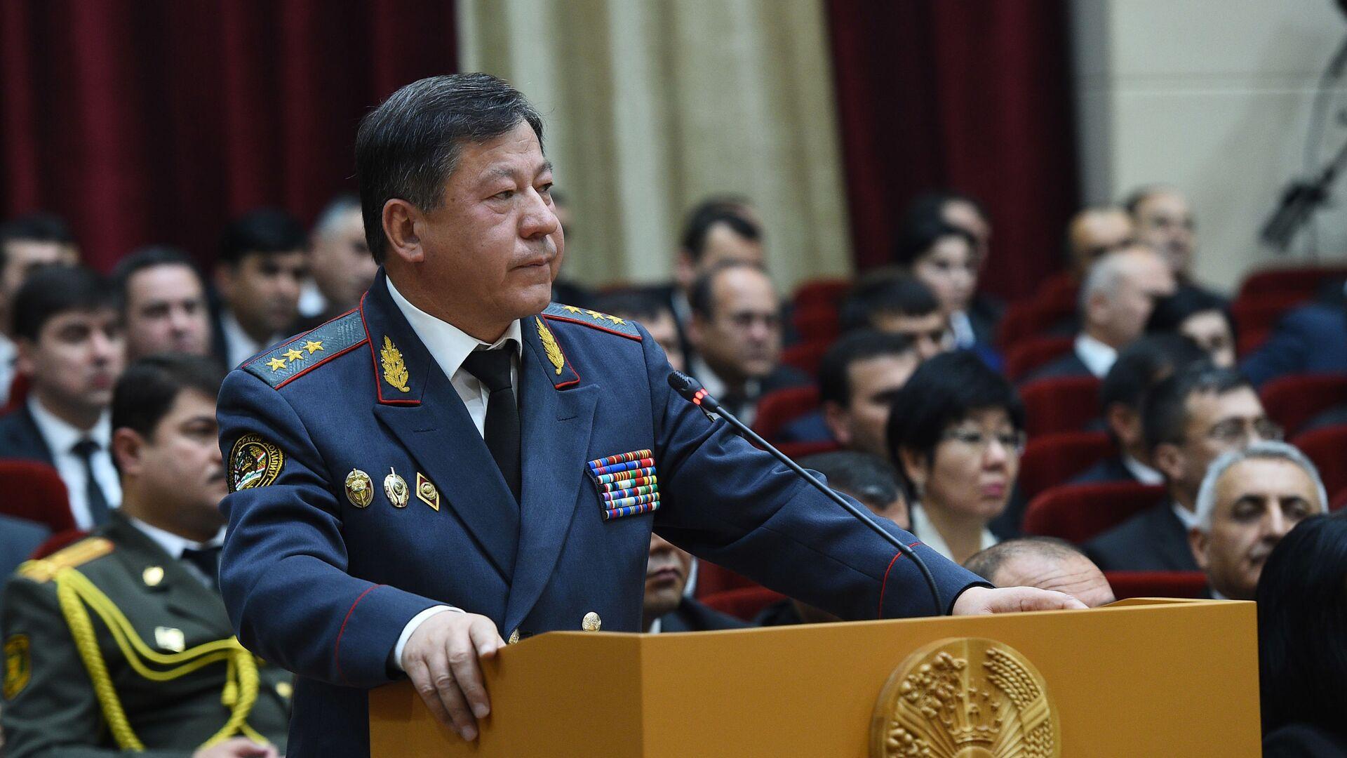 Рамазон Рахимзода, министр внутренних дел Таджикистана - Sputnik Тоҷикистон, 1920, 04.08.2021
