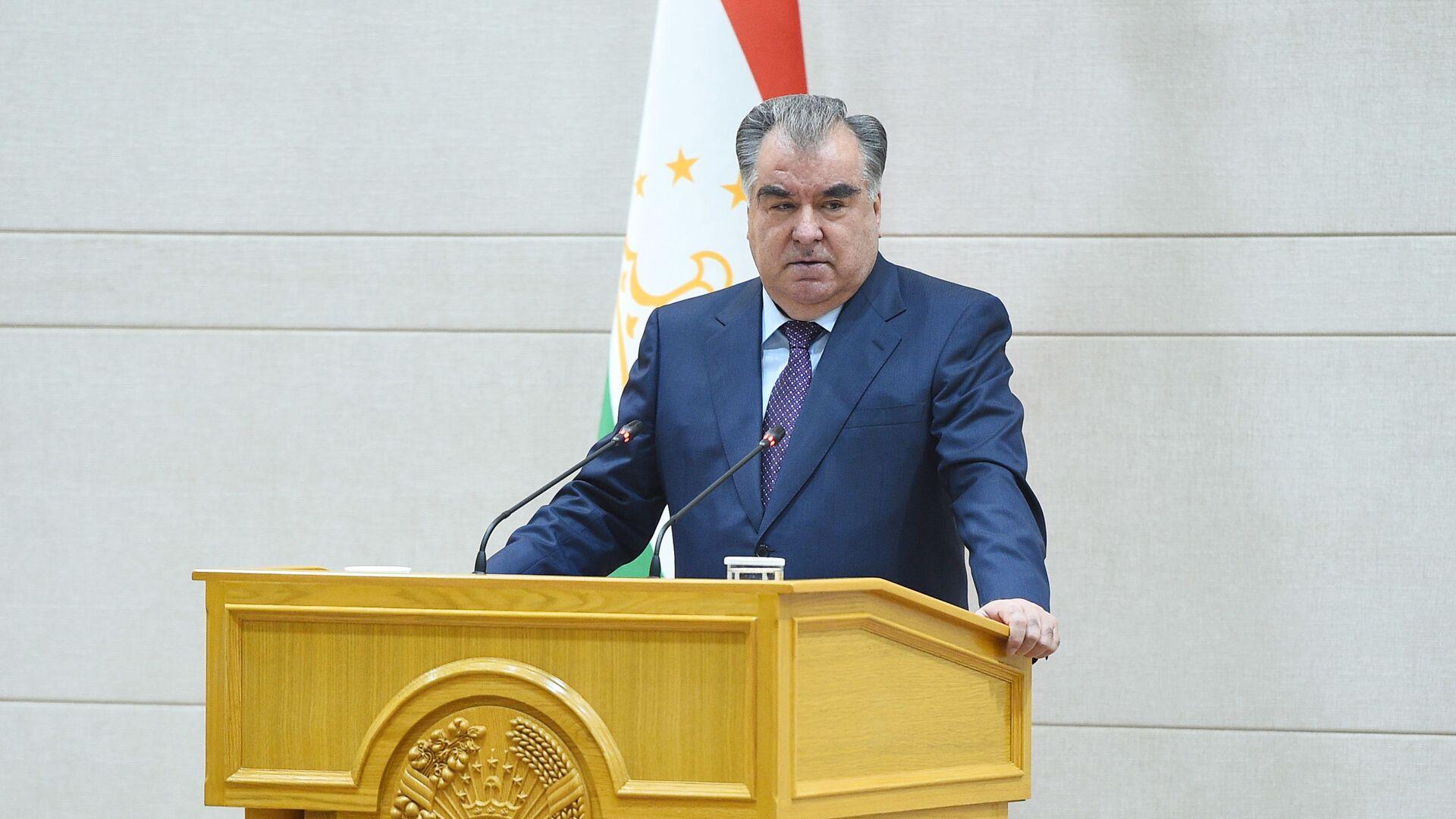Президент Таджикистана Эмомали Рахмон - Sputnik Таджикистан, 1920, 21.07.2021
