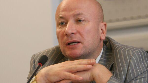 Президент Российской секции Международного общества прав человека Владимир Новицкий на пресс-конференции в РИА Новости - Sputnik Таджикистан