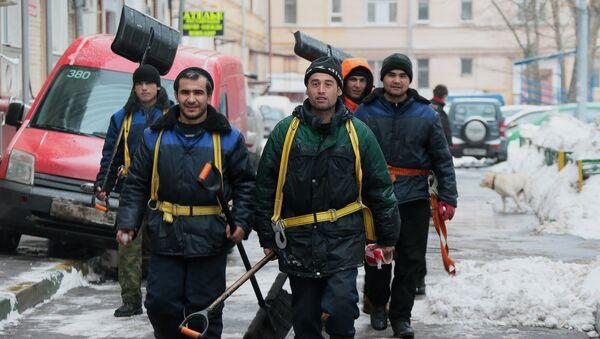 Сотрудники коммунальных служб - Sputnik Таджикистан